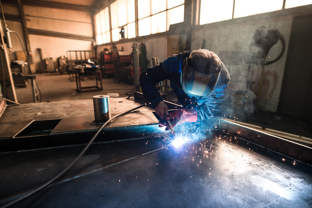 what gas does a mig welder use